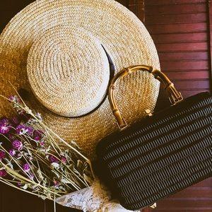 Handbags - BLACK WOVEN WICKER BAMBOO HANDLE CHIC HANDBAG